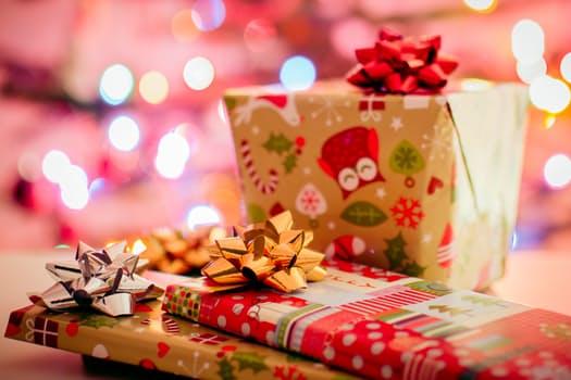 Carte di pagamento per acquisti di Natale