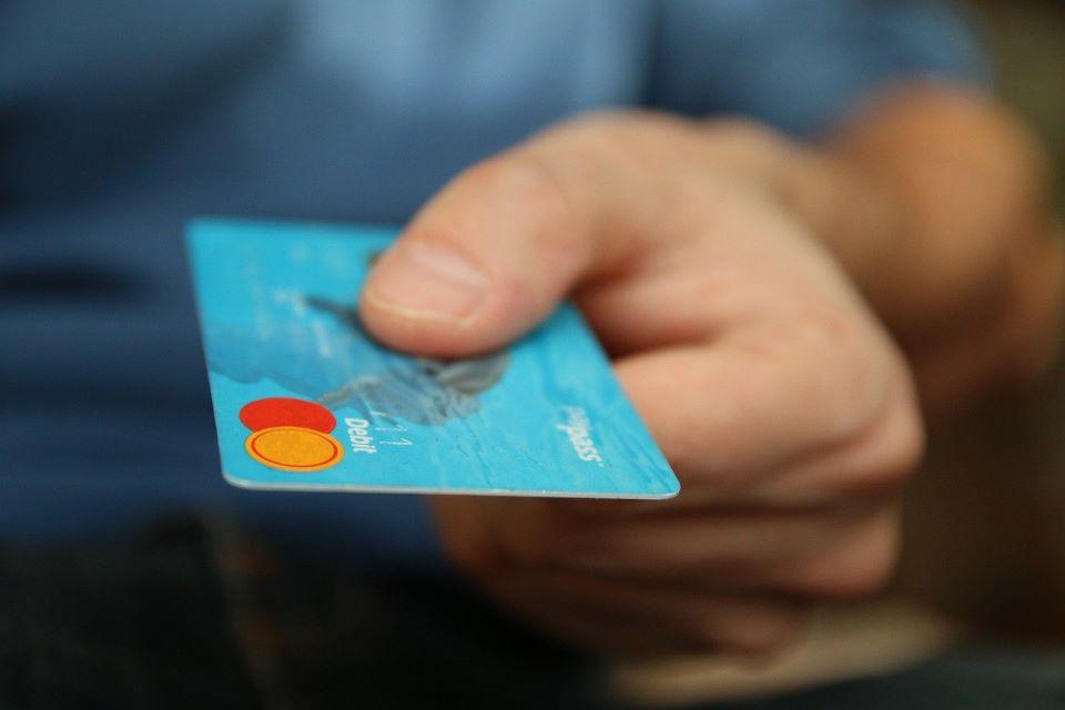 carta di debito cos'è e come funziona